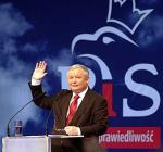 Kaczyński na mównicy.jpg