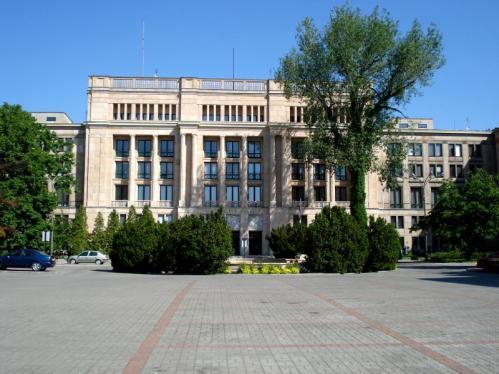 Ministerstwo_Finansów_w_Warszawie,_Poland.jpg