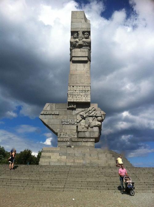 Pomnik_Westerplatte_.jpg