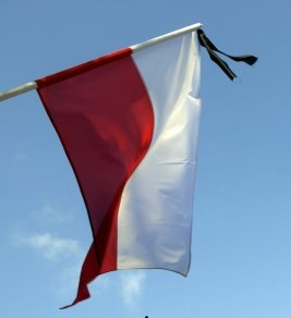 flaga_z_kirem.jpg
